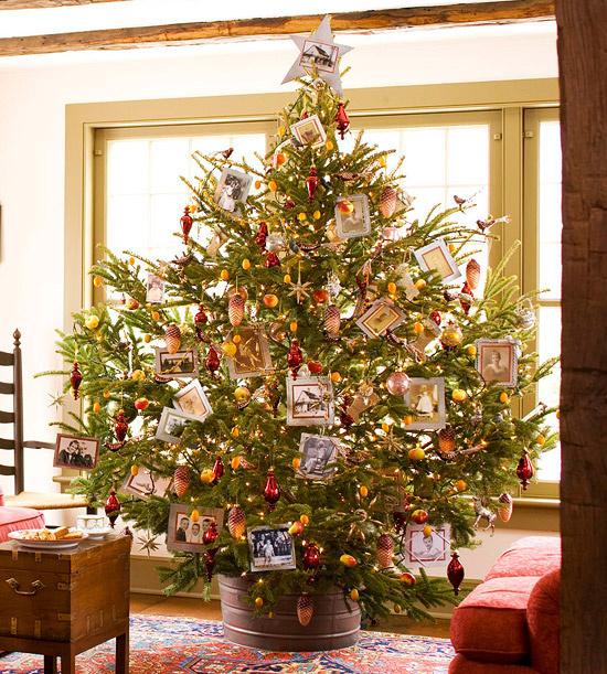 Vianoce sú hlavne o rodine, spravte si z vianočného stromčeka rodinný fotoalbum!