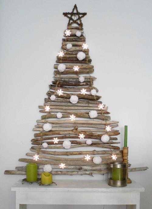 .... vianočný stromček z drevených polienok...