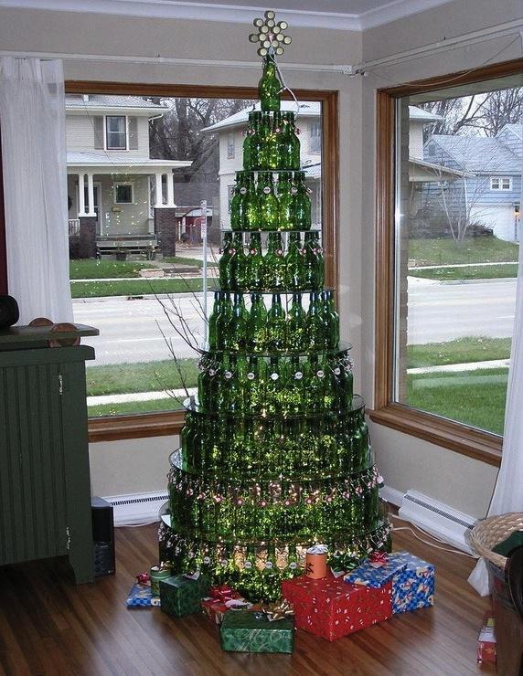 Striktne pre dospelých! Vianočný stromček z vínových fliaš.