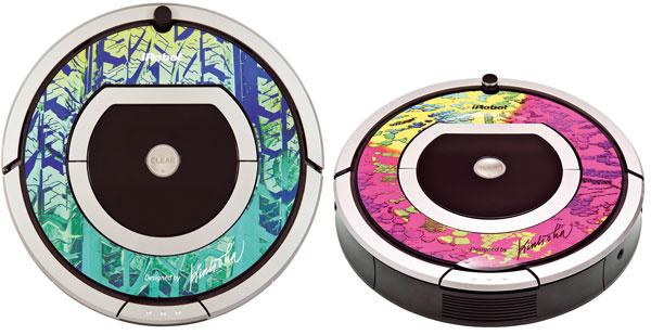 Robotický vysávač iRobot Roomba 780 idress spríťažlivým dizajnom od návrhára Lukáša Kimličku. Pri návrhu pre dámy sa inšpiroval módnou čipkou, vzor pneumatiky auta by mohol zaujať pánov. Cena 599 €. Predáva www.irobot.sk.