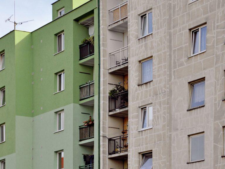 Ako zaistiť lepšie vnútorné prostredie bytov na zateplených panelových domoch