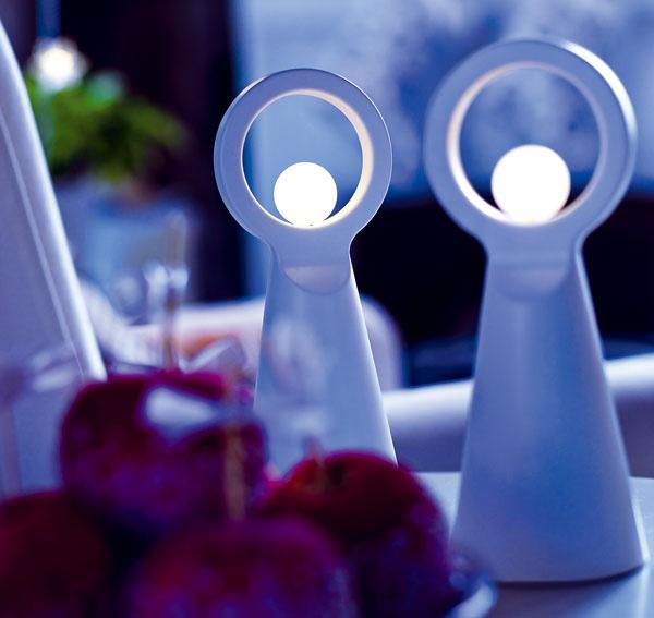 Vianočné svetlo Stråla vtvare anjela, sLED diódami. Dizajn WBraasch/J Kroon. Cena 4,99 €. Predáva IKEA.