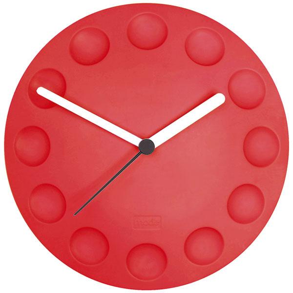 Gumové hodiny Mode na chladničku, 29 €, www.bytovedoplnky.sk