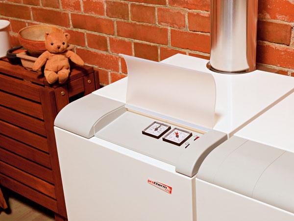 Pri obnove domu podľa nízkoenergetických zásad určite dospejete aj kposúdeniu vykurovacieho systému akjeho náhrade efektívnejšou technológiou na vykurovanie aohrev vody.