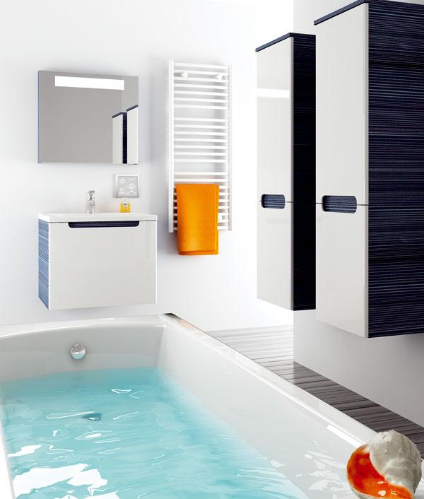 Nadčasový koncept Classic od firmy Ravak s čistými líniami ahladkým povrchom ponúka komplexné riešenie kúpeľne. Umývadlová skrinka spraktickou zásuvkou (60/70/80 × 49 × 47 cm), cena 230 €. Vysoká skrinka sdvoma sklenenými poličkami apraktickou zásuvkou (35 × 37 × 120 cm), cena 312 €.