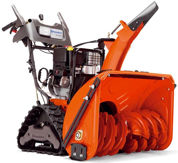 Najvýkonnejšia snehová fréza Husqvarna ST 276 EPT je vybavená dvojstupňovým systémom, motorom sobsahom 342 cm3, elektrickým štartérom, hydrostatickou prevodovkou splynulou reguláciou rýchlosti anáhonom na obe kolesá. Pracovná šírka 76 cm, výška snehu 58,5 cm. Odporúčaná cena 3 135 €.