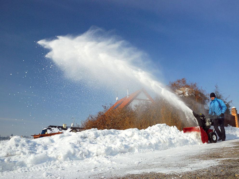 Snežná fréza SF Toro PowerMax 826, cena 2 460 € (+ akcia, 1 400 litrov paliva za 0,75 €/liter). Predáva Mountfield.