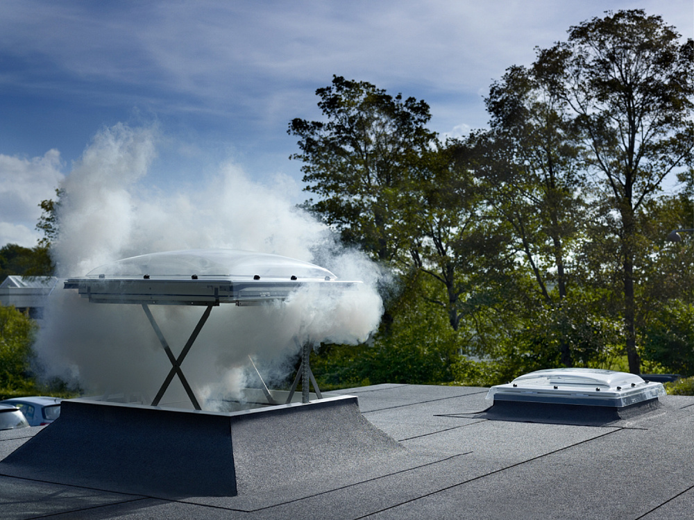 Strešné okná do plochej strechy zlepšujú vnútornú klímu domov
