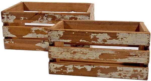 Zadebnená Zo zmysluplnej recyklácie budú mať radosť nielen vaše steny. Starý nábytok je na to ideálny. Použite zásuvky zdoslúženej komody alebo drevené debničky avytvorte znich policový systém či knižnicu.