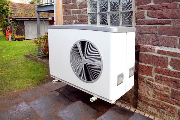 Tepelné čerpadlo WPL 10 AC vzduch/voda je určené pre novostavby na kompaktnú vonkajšiu inštaláciu. Okrem vykurovania funguje aj na chladenie. Vzávislosti od požadovanej teploty vykurovacej vody ho možno používať od vonkajšej teploty +40 °C až do teploty – 20 °C (vykurovacia voda +50 °C) alebo – 10 °C (vykurovacia voda +60 °C). Konštrukcia tepelného čerpadla zaručuje veľmi tichý chod.