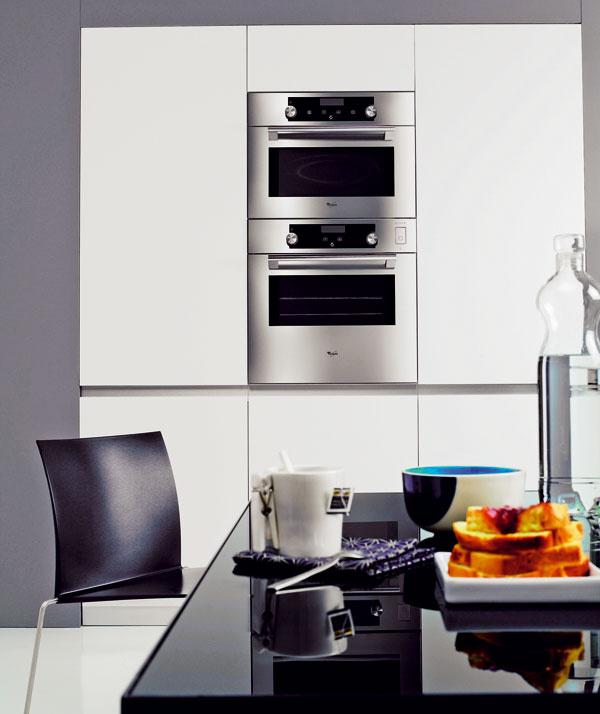 Vstavané kuchynské spotrebiče ušetria miesto aprispejú kharmónii priestoru – interiér kuchyne tak bude pôsobiť zjednoteným auprataným dojmom.