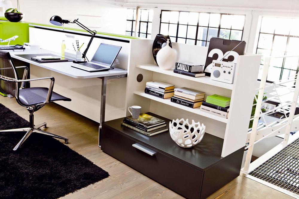 Šikovný nábytok, ktorý mení svoju funkciu rovnako rýchlo ako chameleón svoju farbu, môže bývanie vmalom byte výrazne uľahčiť. Cez deň pracovná plocha, vnoci posteľ. Ani centimeter nevyjde nazmar.