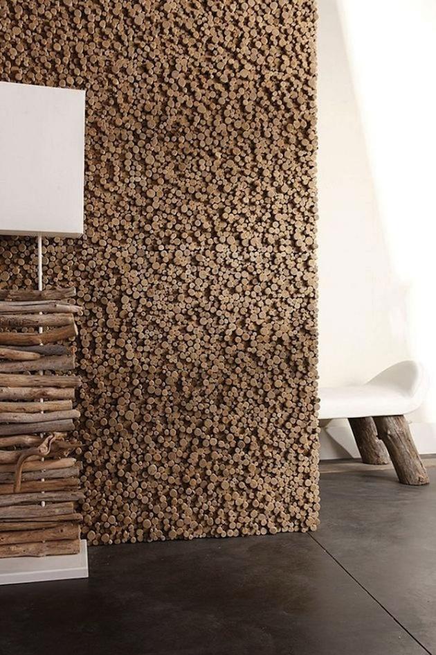 Ak máte chuť a trpezlivosť trochu sa pohrať, môžete si vytvoriť stenu s pozoruhodnou drevenou plastikou či kombinovaný nábytok. Tí viac leniví či menej tvorivo zdatní to môžu nechať na profesionálov. Výsledok, ako vidíte, opäť potvrdzuje, že prírodnému šarmu surového dreva najviac sedí čistota univerzálnej bielej.