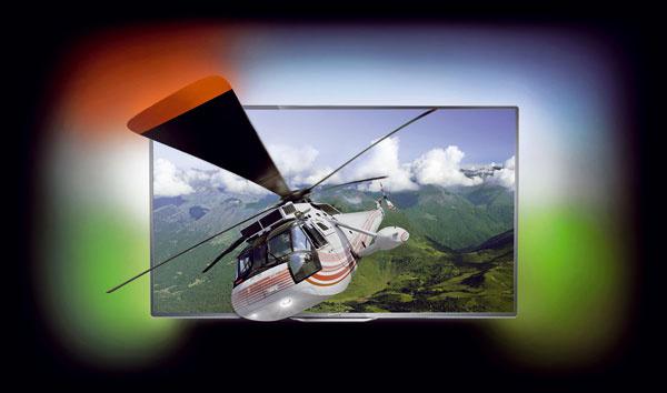 Televízory Philips séria 8000 (40PFL8007K, uhlopriečka 102 cm a55PFL8007K uhlopriečka 140 cm) sfunkciou Ambilight, konverzia z2D na 3D, pripojenie na internet cez kábel alebo Wi-Fi, MyRemote – ovládanie pomocou smartfónov atabletov, bezdrôtový prenos videa, obrázkov či hudby zmobilného zariadenia alebo PC priamo na obrazovku televízora. Online videopožičovne, skype, internetový prehliadač, sociálne siete. Dvoje 3D okuliare askype kamera. Cena od 1466 do 2 449 €.