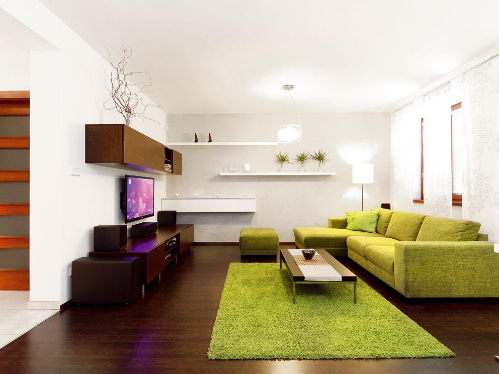 Čistý a jednoduchý interiér oživil projekt z katalógu rodinných domov