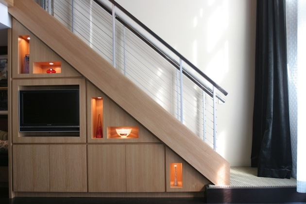 20 tipov ako využiť priestor pod schodami.