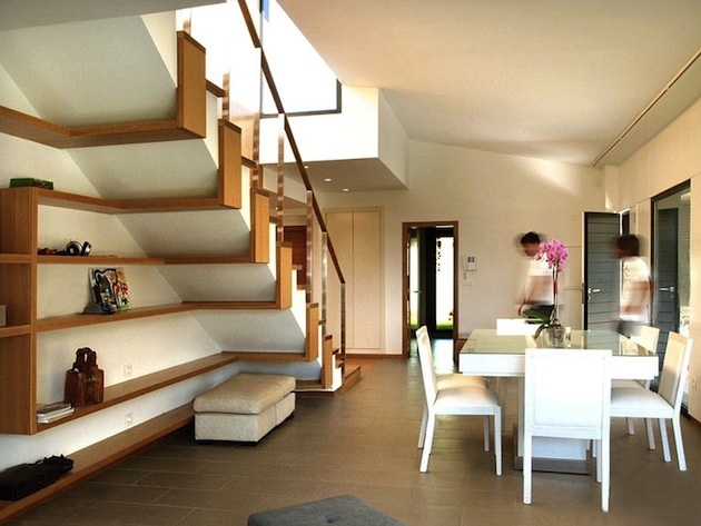 10. Predsieň pod schodami