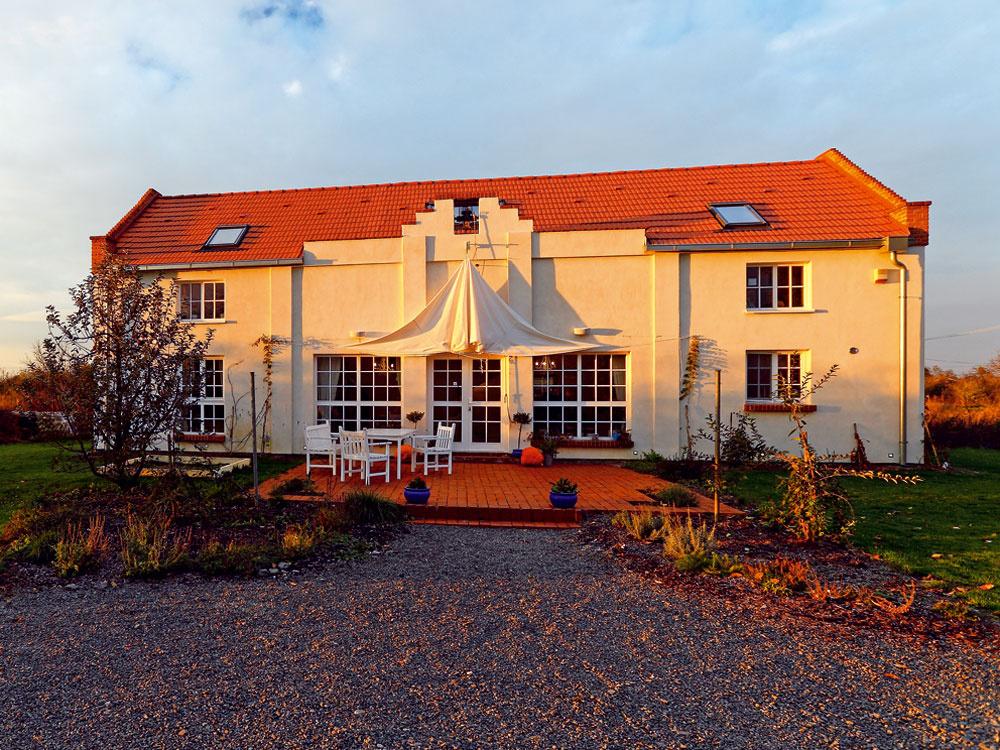Na východnom Slovensku vyrástol nádherný nekonvenčný dom s nádychom romantizmu