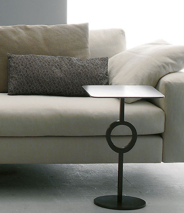 Kabelka v obývačke