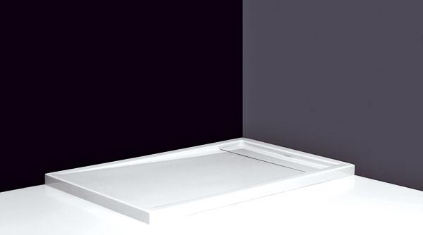 Plytká obdĺžniková akrylátová sprchovacia vanička Integro od firmy Roltechnik. Kdispozícii je vúctyhodných rozmeroch 120 × 90, 140 × 90 a150 × 90 cm, ktoré vám pri sprchovaní dajú príjemný pocit voľnosti (výška 5 cm). Nízka nástupná hrana je ďalším pozitívom. Integrovaný kryt sifónu je vyrobený zliateho akrylátu. Cena od 218 €.