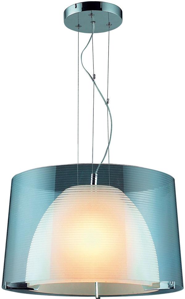 Visiaca lampa Arto, 130 €, www.svetsvetiel.sk