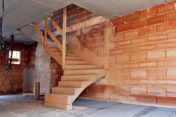 Stavebný dozor astavbyvedúci – kľúčové postavy stavby