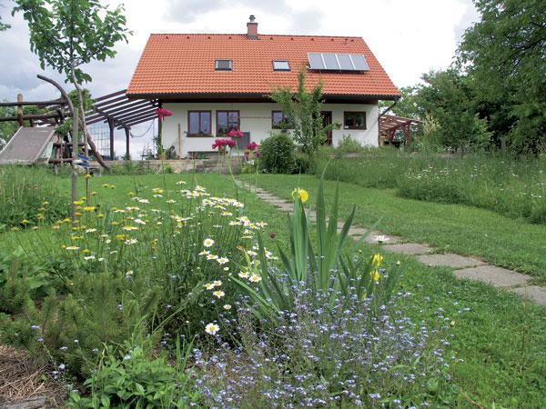 Vidiecka záhrada včera a dnes