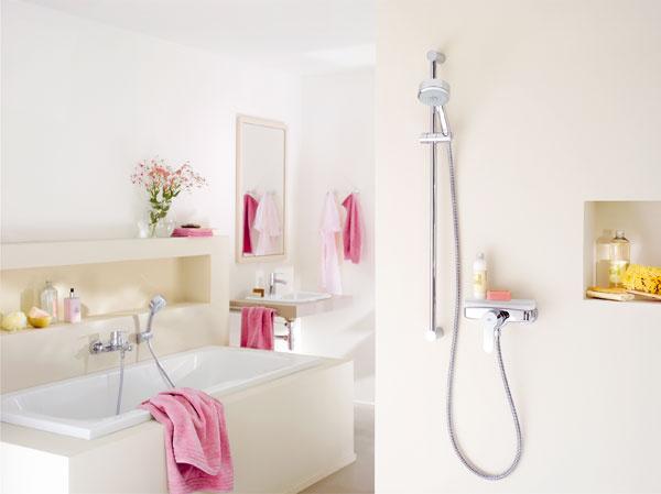 Sprchový systém Tempesta Cosmopolitan od firmy Grohe. Hlavová sprcha sa dá ľahko vyklopiť do rôznych uhlov. Ručná sprcha má dva prúdy vrátane takzvaného dažďového Grohe Rain 02.