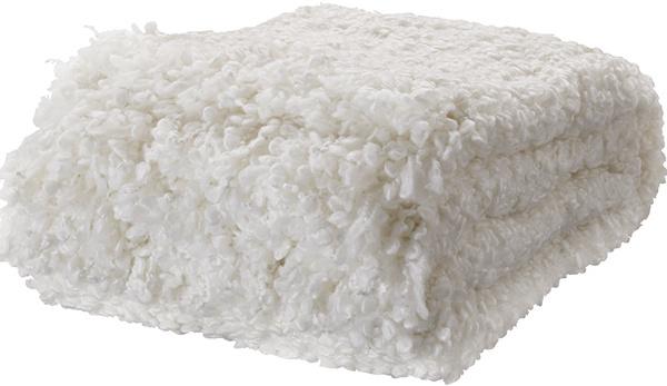 Keď neposlúži ako pokrývka na posteľ, určite sa do nej rád niekto zababuší… Deka Ofelia, 24,99 €, IKEA