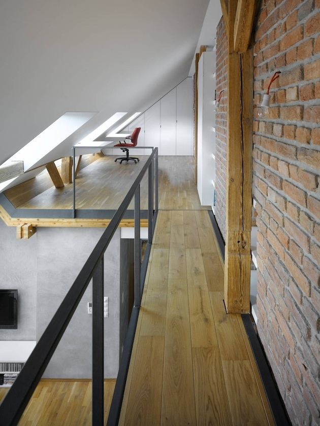 Simple Attic Loft Residence in Czech Republic