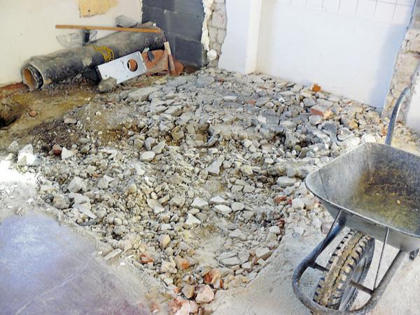 Zmenená dispozícia aj nové podlahy chceli svoje.