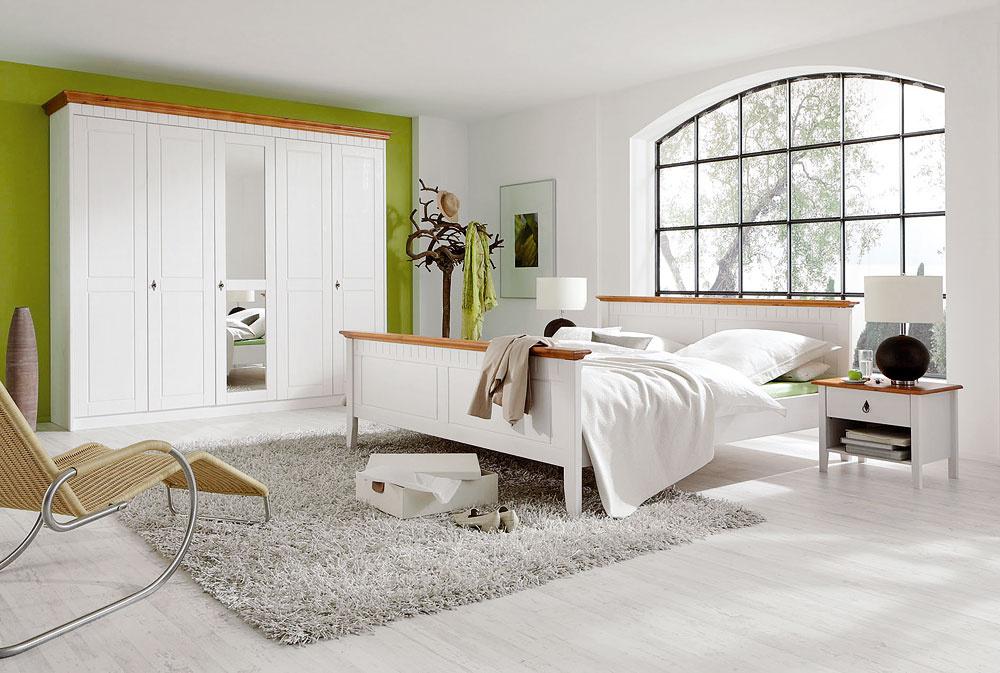 Posteľ Capri, 299 €, kika  Nočný stolík Capri, 79,90 €, kika