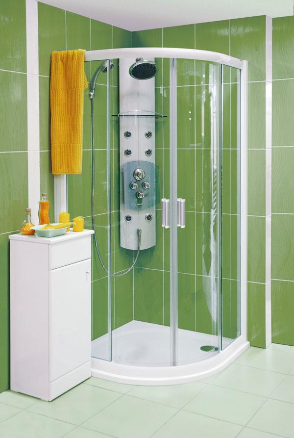 Panel Totem Jet okrem pevnej veľkoformátovej sprchy aručnej sprchy stroma funkciami ponúka aj dvojpolohovú masážnu dýzu so smerovou aretáciou. Chránené proti zaneseniu vodným kameňom – EasyClean. Je osadený termostatickou batériou sdetskou poistkou, možno ho nainštalovať buď na stenu, alebo do rohu. Cena 625 €. Predáva Ravak.