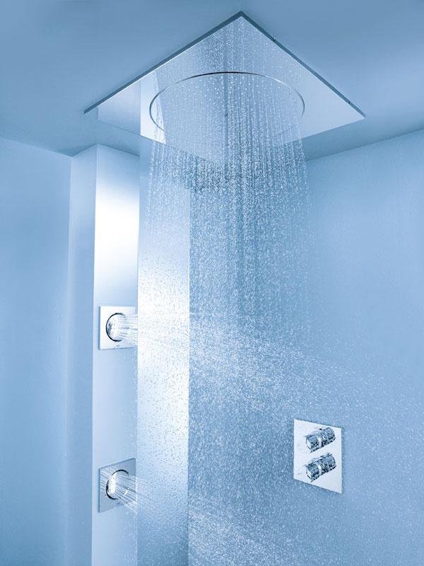 Sprchový systém Grohe Rainshower F-Series pod omietku sdýzami, cena od 1600 € bez DPH. Predáva Viva.