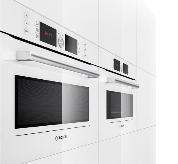 Kombinovaná rúra smikrovlnkou Bosch HBC 84K523, 20 automatických programov, InnoWave – sinvertorom (vyššia úspora energie ačasu), 4 druhy ohrevu, 5 stupňov mikrovlnného ohrevuobjem 42 l, výkon 900 W, 1 204,04 €