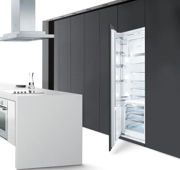 Zabudovateľná chladnička Bosch KIV38A51, trieda A+, spotreba energie 290 kWh/rok, objem 222 l/59 l, hlučnosť 40 dB, automatické odmrazovanie, zásobník na zeleninu sreguláciou vlhkosti, funkcia supermrazenia, 887,00 €