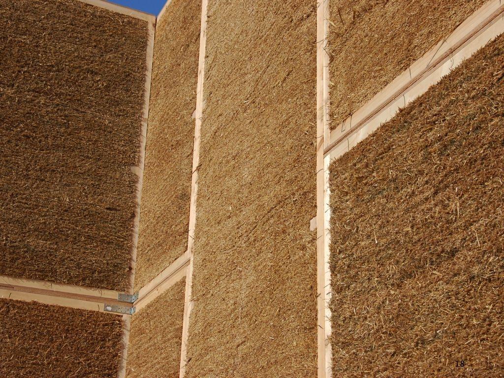 Výstavba slameného domu v Stupave