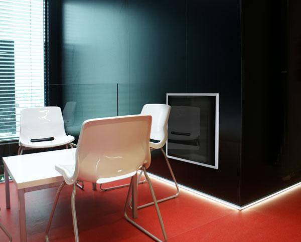 Infračervené panely predstavujú ideálnu formu vykurovania v nízkoenergetických domoch, v ktorých minimalizujú už aj tak nízke náklady.