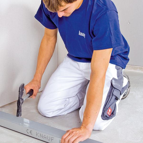 Voľnosť dispozície Montované priečky opláštené sadrokartónom dávajú veľkú voľnosť pri dispozičnom riešení bytov – vo fáze projektovania aj pri prípadnej prestavbe. To pri priečkach ztehly či zpórobetónu často nie je možné zo statických dôvodov.