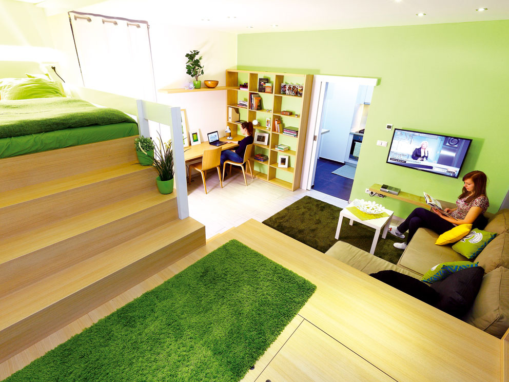 Pri zariaďovaní jednoizbového bytu využite jeho tretí rozmer