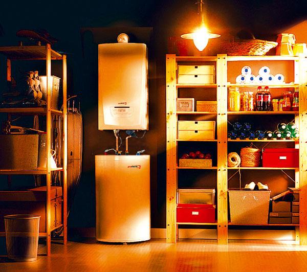 Vyšší štandard komfortného bývania zabezpečí zostava kondenzačného kotla so zásobníkom na 120 l teplej vody, najmä ak máte väčšie požiadavky na jej množstvo. (foto: Protherm)