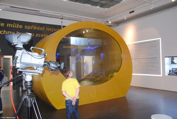 Ako v útrobách televízora prejdete výstavu k šesťdesiatinám televízneho vysielania
