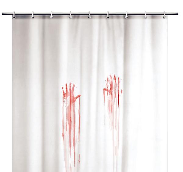 Blood Bath, kúpeľňový záves od firmy Spinning Hat, polyester, 180 × 180 cm, 395 Kč, naoko.cz