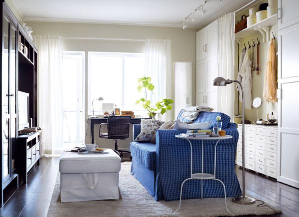 Farba podlahy by mala byť vždy tmavšia ako farba stien avcelom byte rovnaká. Vznikne tak jedna veľká plocha, ktorá malý byt opticky zväčší.