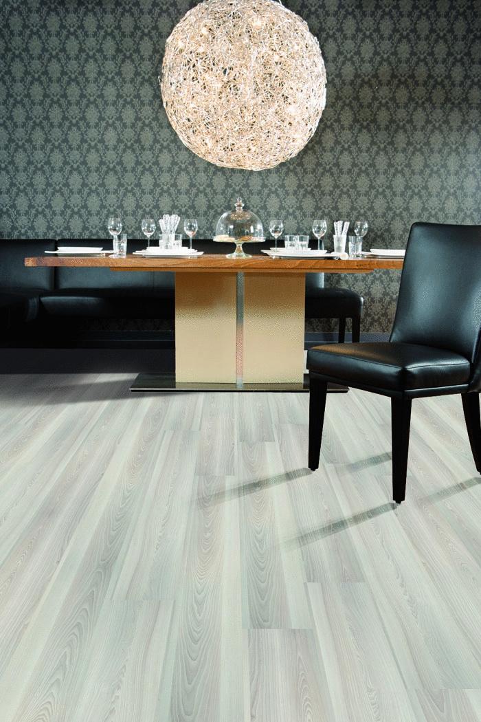 Kolekcia 1 Floor: Laminátová podlaha s krokovou podložkou Noise Reduct Basic priamo aplikovanou na lamele (foto Witex//predáva 1Floor)