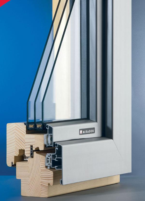 Zasklenie izolačným trojsklom má výrazný vplyv na zníženie úniku tepla: rez drevohliníkovým oknom – exteriérová strana
