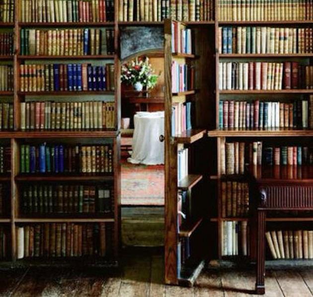 Tajné izby a skryté priestory v dome sú stále v kurze