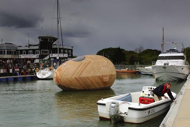 Plávajúce drevné vajíčko