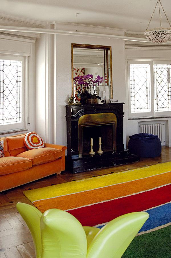 Rešpekt aúcta kminulosti aklasickým prvkom varchitektúre zaujímavo kontrastujú soriginálnym názorom na súčasný bytový interiér.