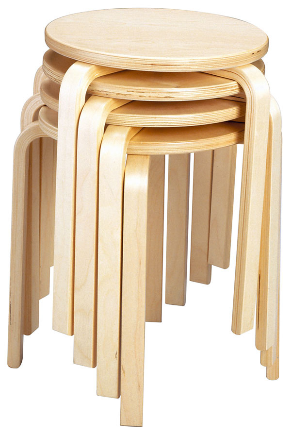 Stolička Frosta, dizajn Gillis Lundgren, priemer sedadla 35 cm, výška stoličky 45 cm, brezová dyha, 7,99 €, IKEA